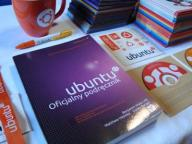 Kolekcja Ubuntu Linux (98 płyt, kubek, smycz...)