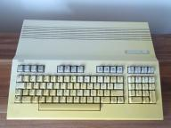 COMMODORE 128.