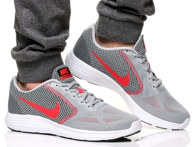 Nike Revolution 3 819300