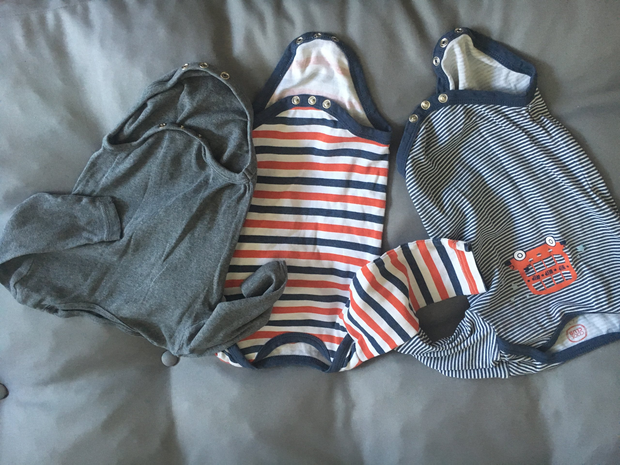 6b60ba38e750e Markowe ubranka dla niemowlaka 50 sztuk + gratis - 6979817072 ...