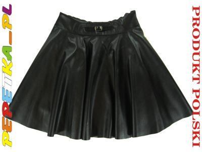 Czarna spódnica z eko skóry uszyta z koła 134