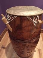 Bęben Kpanlogo afrykański rękodzieło ze stojakiem