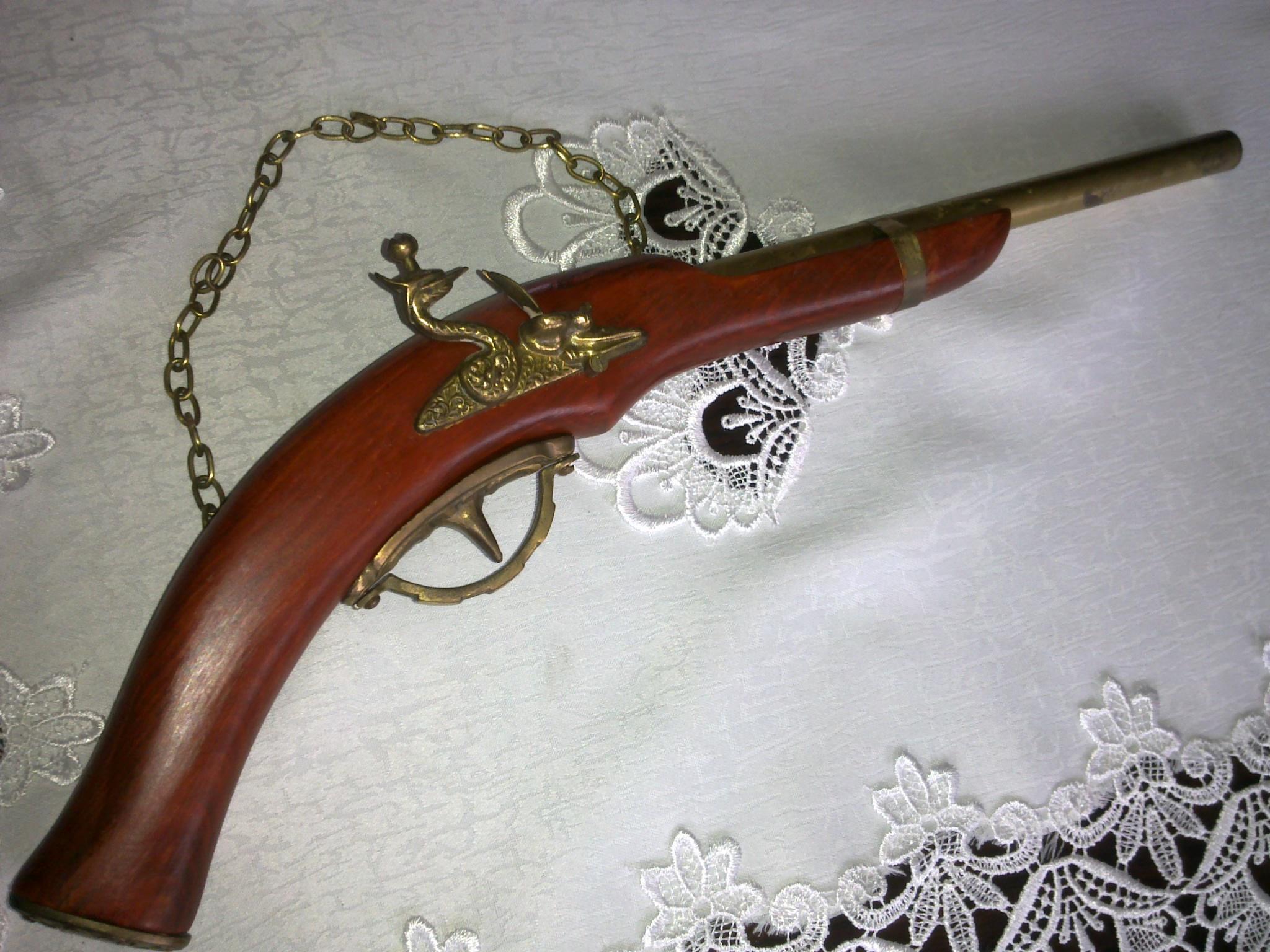 Pistolet Replika dekoracja 49cm