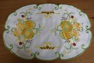 Białe Serwetki Wielkanocne Owalne 30/45 Haft Kolor