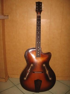 Gitara elektroakustyczna Defil lata 70