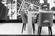 2 krzesła pepitka czarno białe RETRO. Wyprz -50%