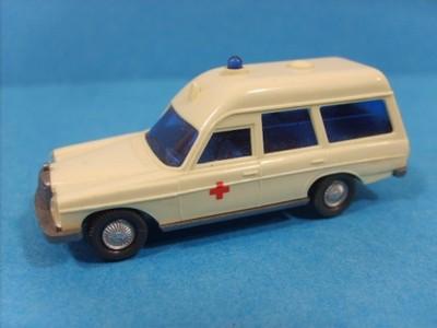 1:87 wiking - mercedes 200 ambulance
