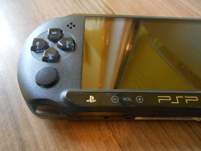 KONSOLA SONY PSP E1004+ŁADOWARKA+GRA
