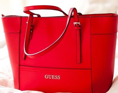 Torebka guess cadence satchel czerwona łańcuch Zdjęcie na