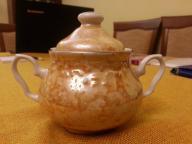 Porcelanowa, brązowa cukiernica