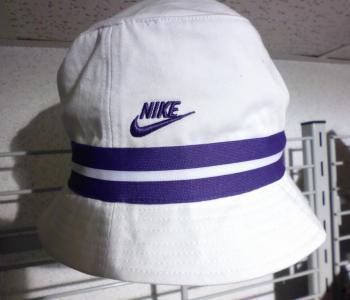 NIKE kapelusz męski L/XL 59 cm biały fioletowy