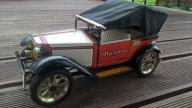 Samochód metalowy Ford Zabawka Prl kolekcjonerska