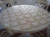 Biało beżowa serweta ręczna robota