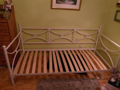 Metalowe łóżko Jysk 90x200 Białekremowe 5956398493