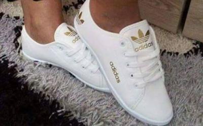 buty białe trampki Adidas