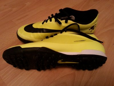 Obuwie Nike Hyperveno 42 jak nowe. Halówki Orlik