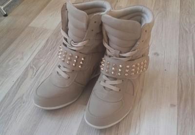 403fbb6688955 Botki sneakersy 36 kari beżowe ćwieki - 6699911704 - oficjalne ...