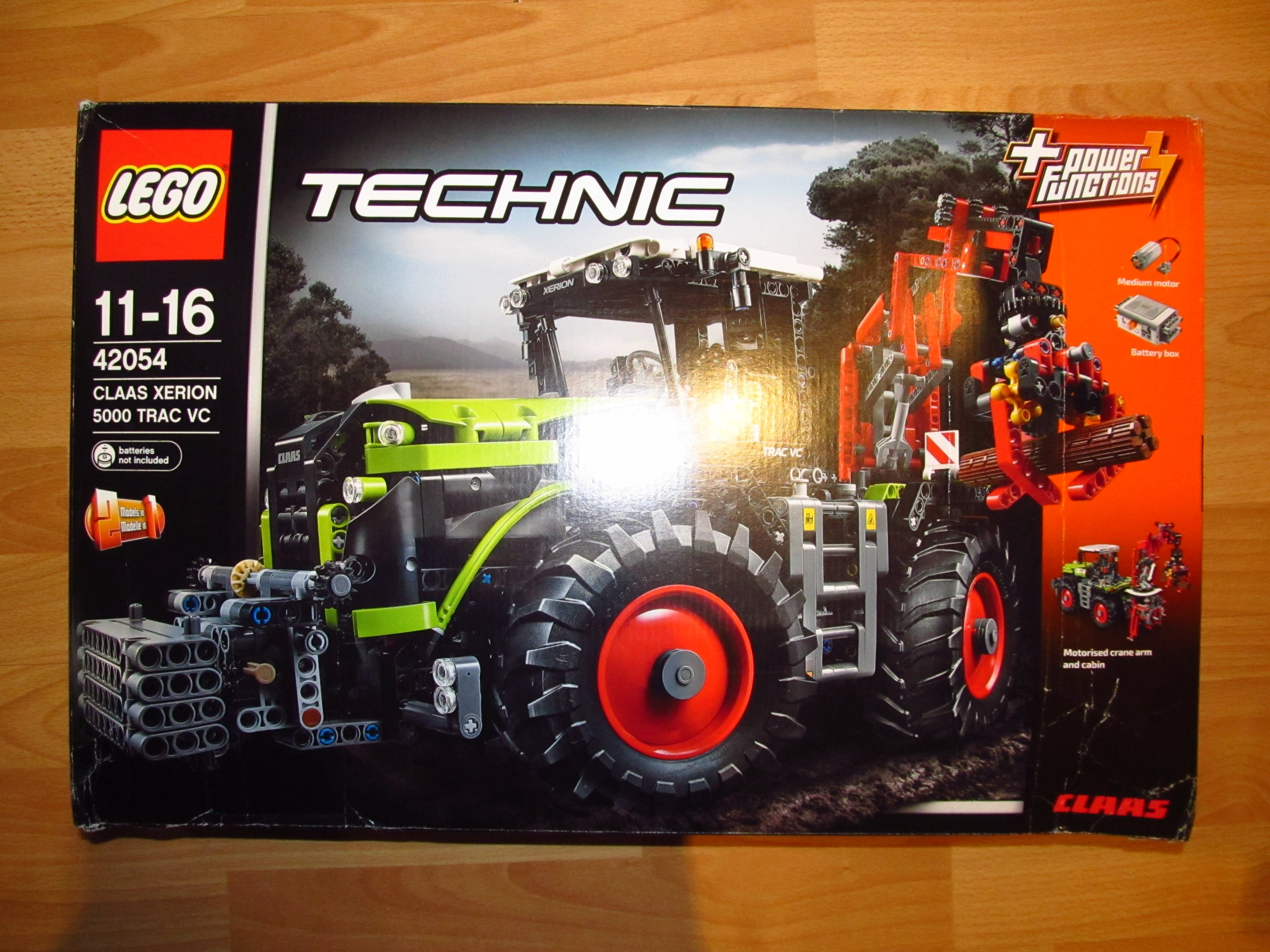 LEGO Technic CLAAS XERION 5000 TRAC 42054