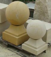 Architektura budowlana i ogrodowa z piaskowca